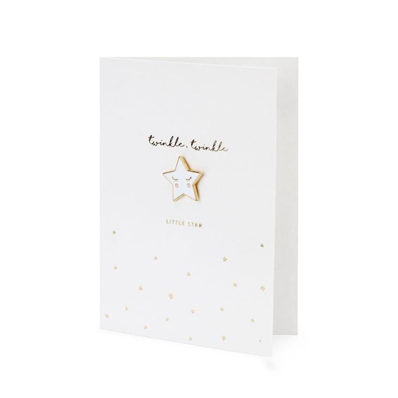 Biglietto auguri bianco con spilla a forma di stella e busta bianca 10,5 x 14,8 cm KAR3