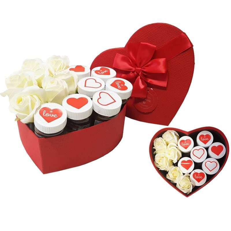 Scatola Regalo San Valentino.Scatola A Cuore Con Mini Nutella E Rose Regalo Romantico San Valentino