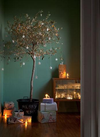 Alberi di natale fai da te originali tante idee per for Decorazione albero di natale fai da te