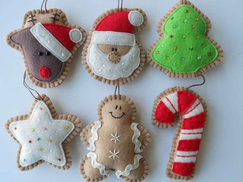Decorazioni in feltro per natale scopri come rendere - Decorazioni natalizie albero fai da te ...