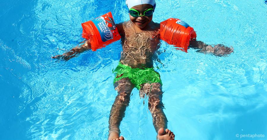 Giochi in piscina per bambini giochi d 39 acqua da fare durante i compleanni - Piscina trezzano sul naviglio nuoto libero ...