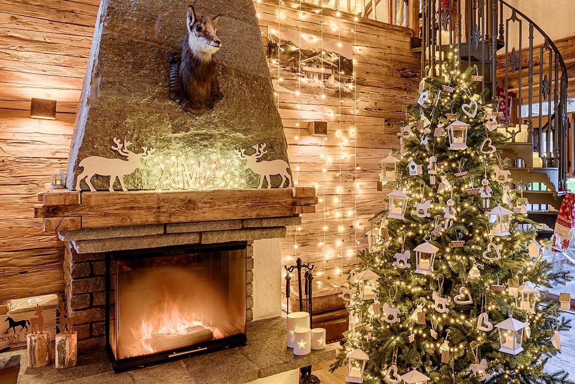 Lavoretti In Legno Per Natale come decorare il camino per natale? idee foto e decorazioni
