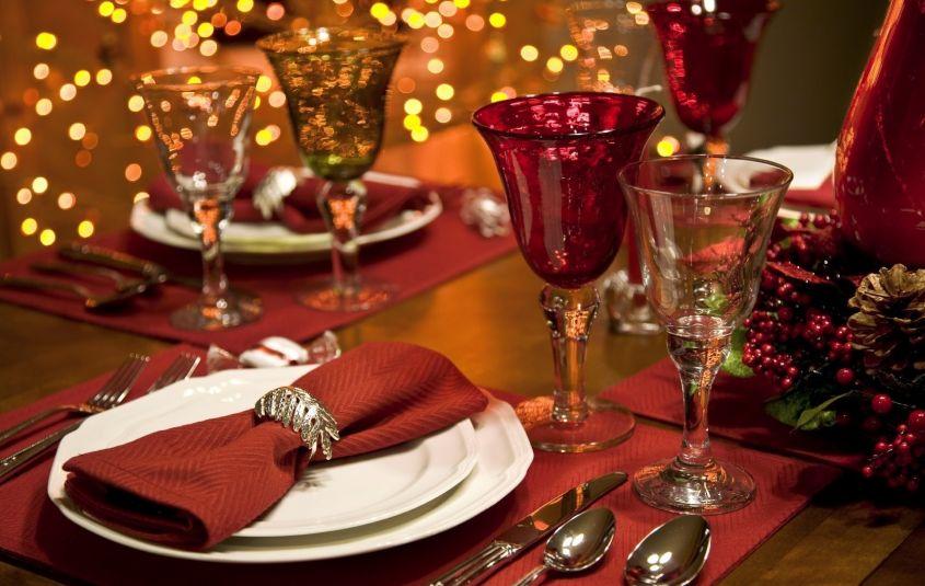 Decorare Tavola Natale Fai Da Te : Tavola natalizia fai da te come apparecchiare con gusto il giorno