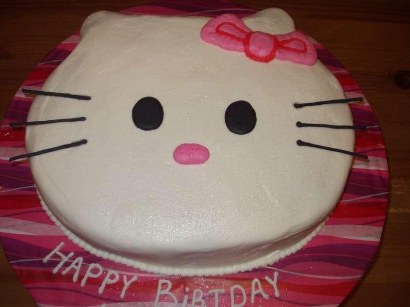 Torta Hello Kitty   8 torta di compleanno della gattina Kitty