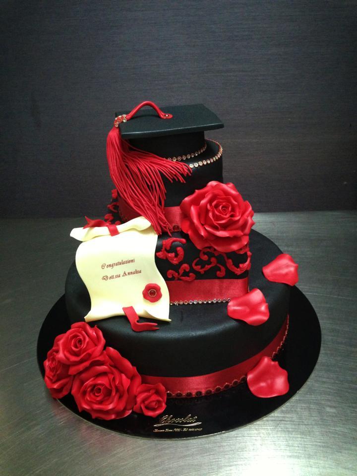 Torta per laurea 10 idee torta eleganti con pasta da for Addobbi per laurea