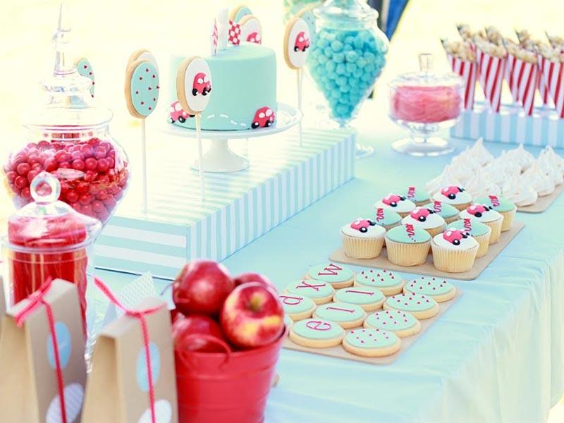 Festa di compleanno in casa per bambini - Festoni compleanno fatti in casa ...