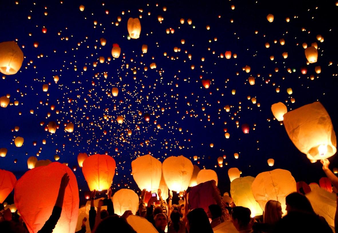 Decorazioni Con Lanterne Cinesi : Lanterne volanti quando i desideri si liberano nell aria