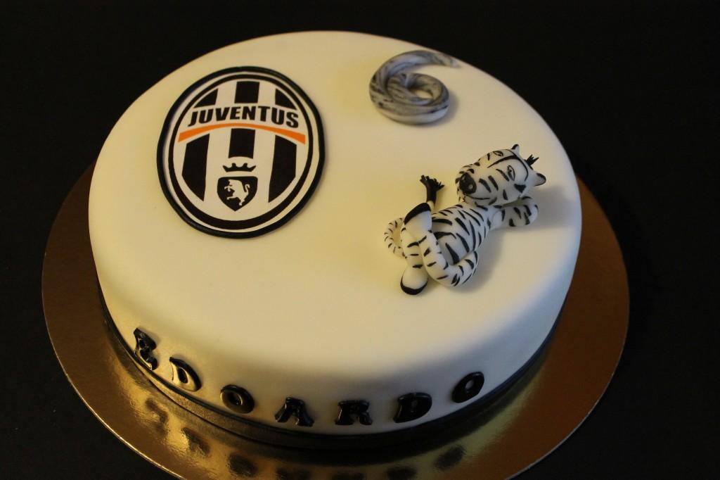 Torta Juventus 10 Ricette Originali In Pasta Da Zucchero