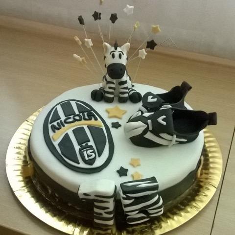 Torta Juventus | 10 ricette originali in pasta da zucchero